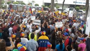 abril08-manifestacion-parqueurraca-panama