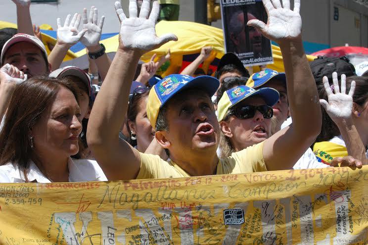 CONCENTRACION APOYO LOPEZ Y CEBALLOS, . FOTO: Juan Luis Clemente.