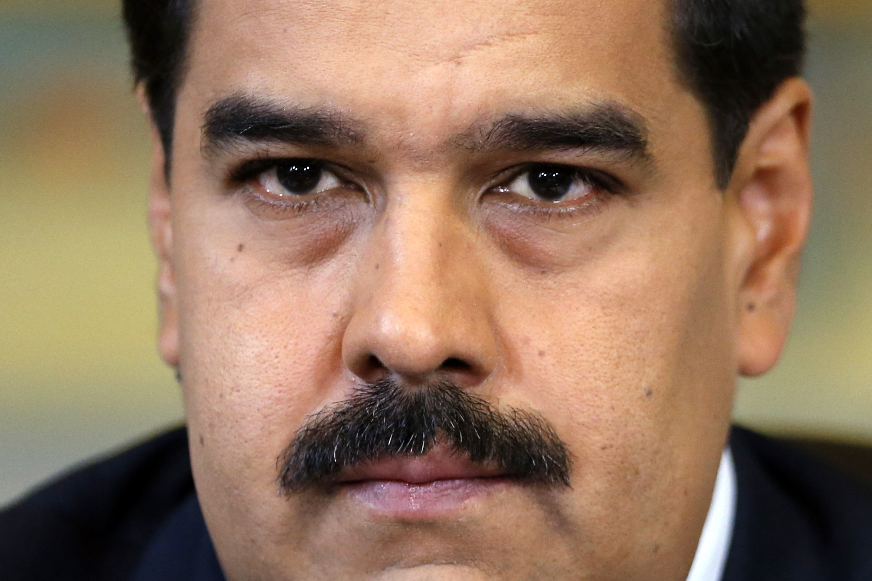 Venezuela's President Nicolas Maduro gives a news conference at Miraflores Palace in Caracas October 15, 2014.  REUTERS/Jorge Silva (VENEZUELA - Tags: POLITICS HEADSHOT)