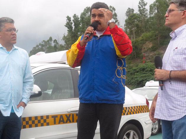 Maduro con los candidatos