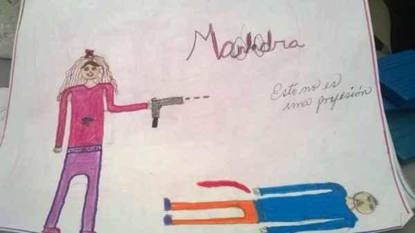 niña dibujo malandra