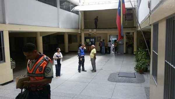 Protección Civil y Policía Municipal de Chacao en el Colegio Andrés Bello