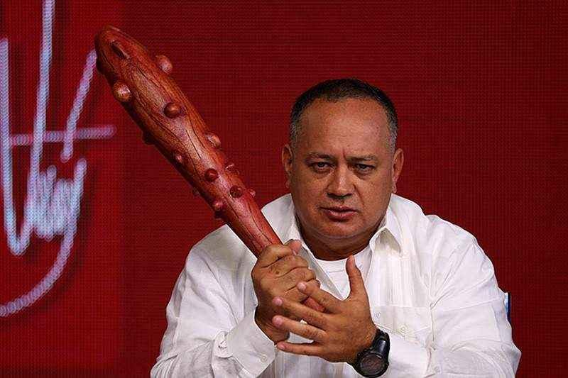 Diosdado Cabello con el mazo