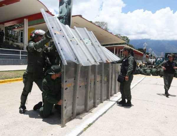 GNB orden publico escudos