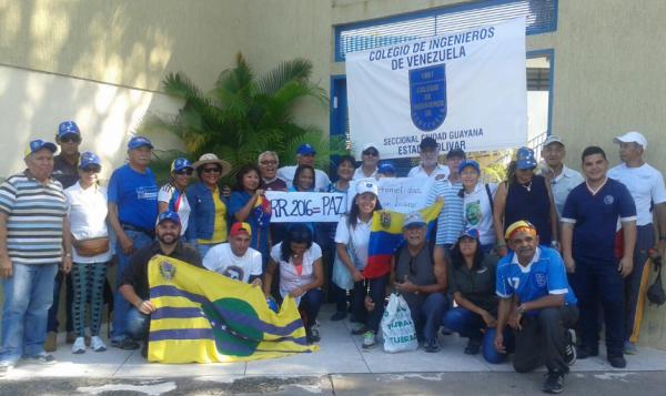 Opositores se reunieron en el Colegio de Ingenieros de Bolívar
