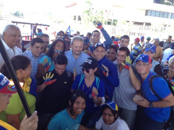 Desde la Av. Padilla, en Maracaibo, la oposición salió a protestar en Zulia