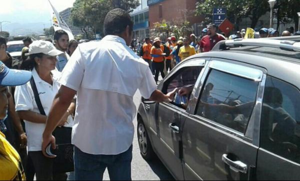 En Vargas también salieron los opositores