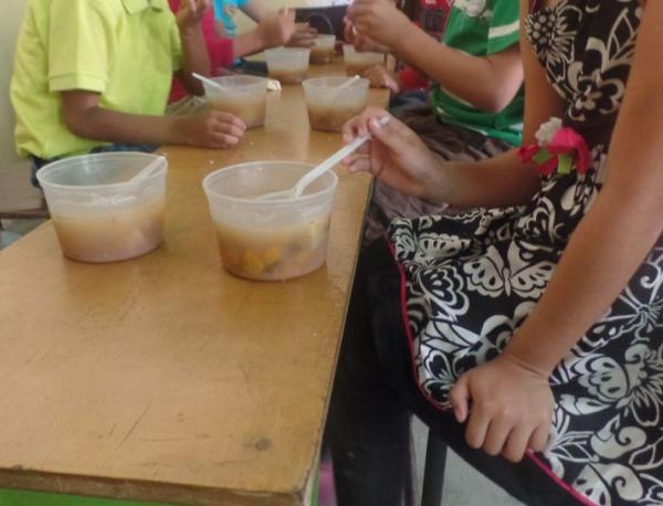 Niños comida