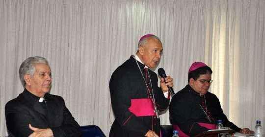 conferecia-episcopal-070114-3