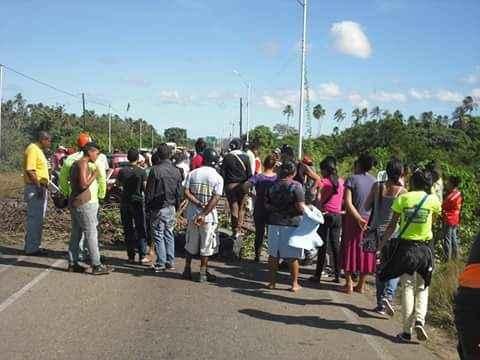 Chacopata y Casanay se suman a protestas de Cariaco por la ... - Efecto Cocuyo