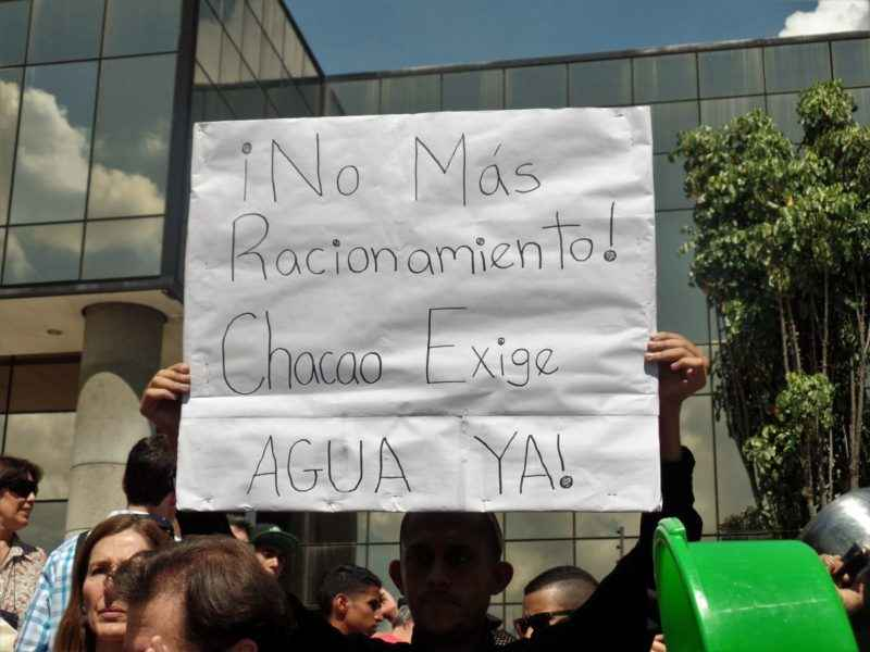 Vecinos de Chacao protestaron en Hidrocapital por incumplimiento de racionamiento de agua