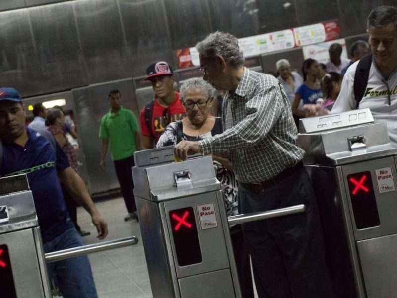 usuarios-en-metro
