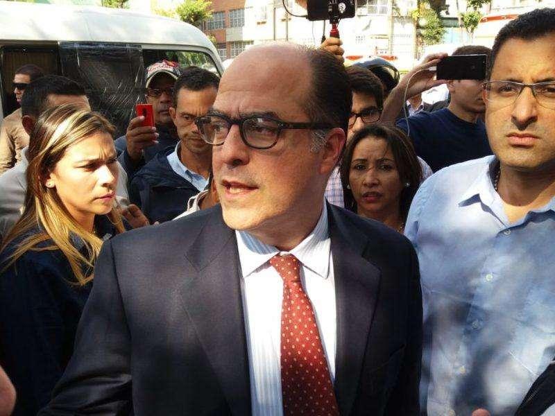 Director del Hospital Vargas desmintió a diputado sobre daños a instalaciones