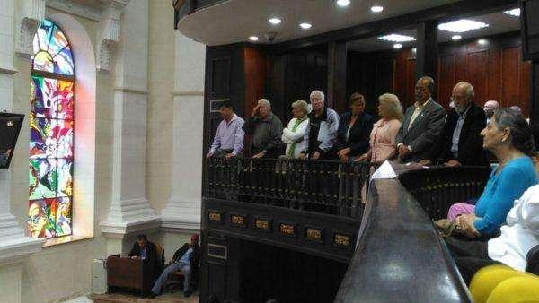 jubilados-y-pensionados-en-el-balcon