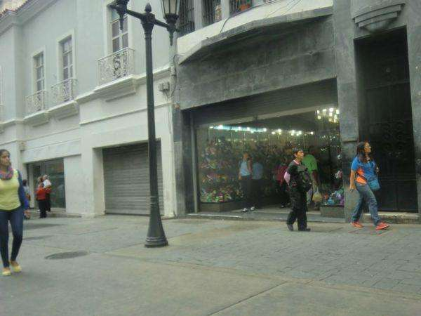 Zapatería Quios, ubicada a dos cuadras de la Plaza Bolívar.