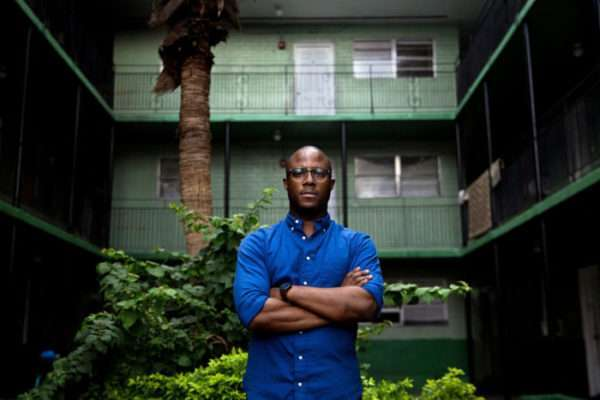 Barry Jenkins en Liberty City, Miami. Foto: New York Times.