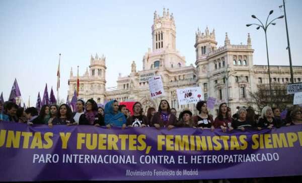 En Madrid, España, la  manifestación fue de  organizaciones de mujeres, sindicatos y plataformas en defensa de la igualdad.
