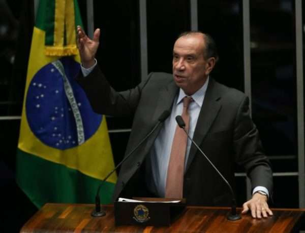 canciller de Brasil Aloysio Nunes