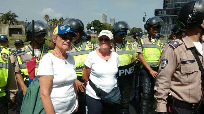 ¡Muy preocupados! Cancillería rechaza inhabilidad de Capriles en Venezuela