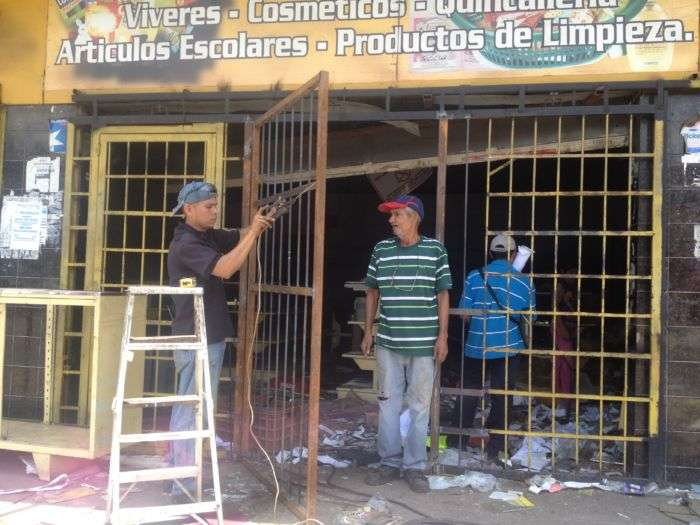 Maduro entregó decreto de Constituyente en Venezuela