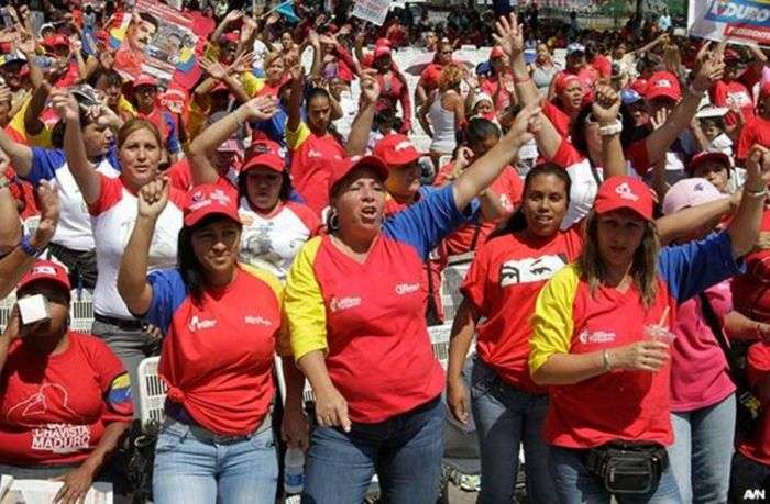 Miles de mujeres opositoras marchan en Venezuela