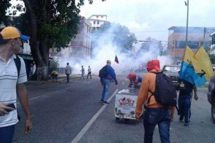 Colectivos chavistas habrían asesinado a 4 personas — Terror en Barquisimeto