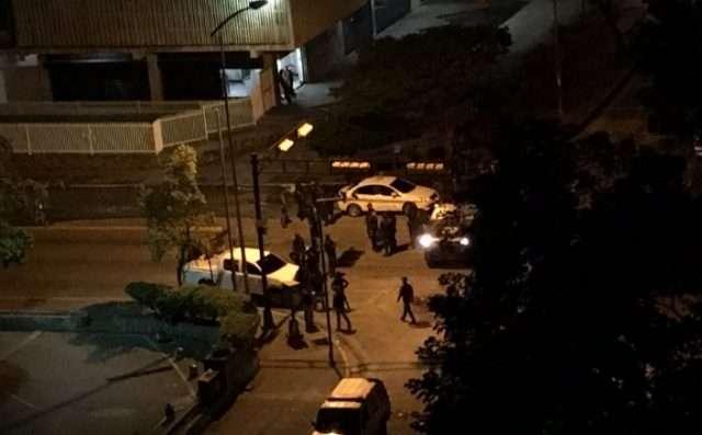 Tres militares heridos por arma de fuego durante protesta en Caracas