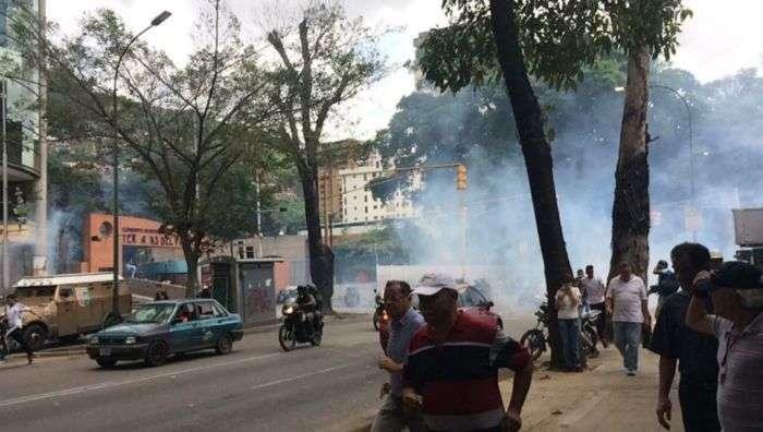 Dispersan a manifestantes en El Paraíso y Montalbán: Reportan heridos por perdigones