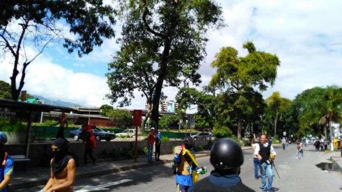Manifestantes fueron emboscados por la GNB en la autopista Francisco Fajardo
