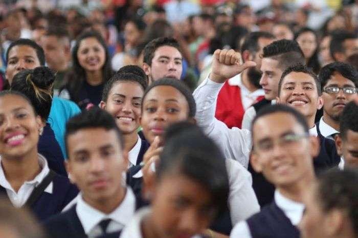 Las 700 empresas más grandes del país están trabajando al 100% — Maduro