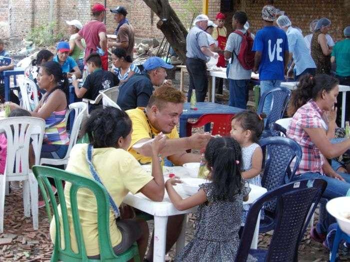 Tag venezuela en El Foro Militar de Venezuela  - Página 7 Almuerzos-Casa-de-paso-Divina-Providencia