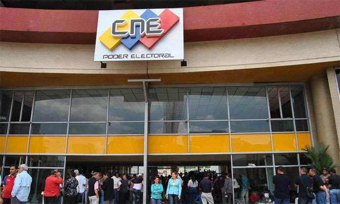Ministerio Público investiga agresiones contra la rectora del CNE, Socorro Hernández