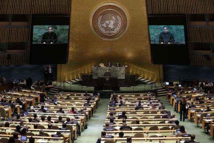 Maduro dice que no fue a la ONU por posible atentado
