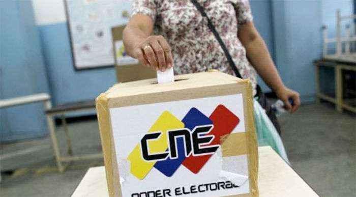 Rector Rondón denunció reubicación de al menos 200 centros electorales