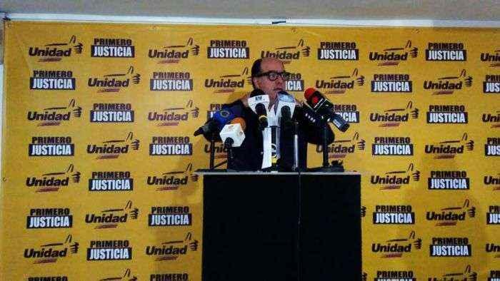 Borges calificó de humillación la juramentación ante la ANC