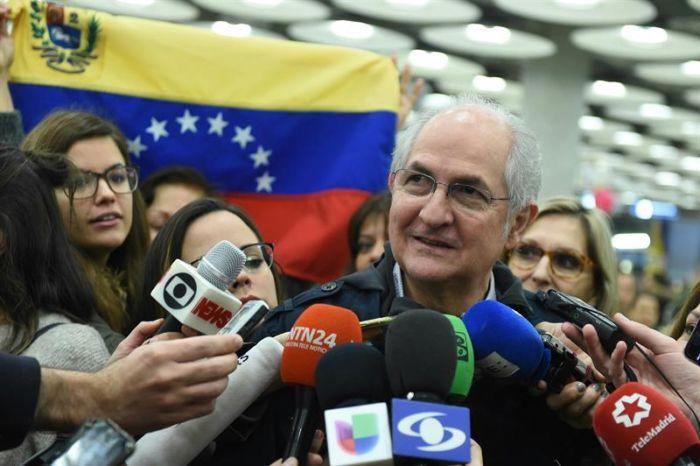 Desde España, Ledezma criticó que Rodríguez Zapatero siga mediando en Venezuela