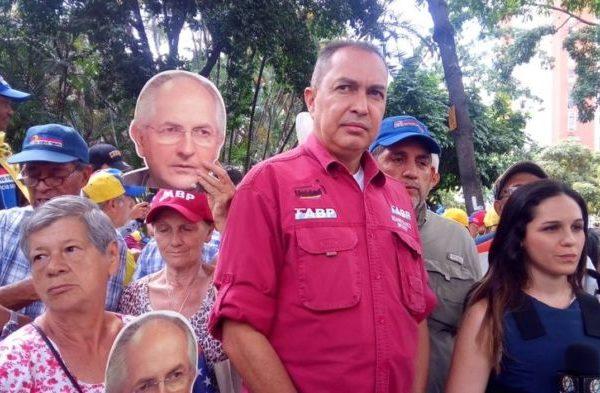 Richard Blanco asegura que Gobierno no participó en el escape de Ledezma