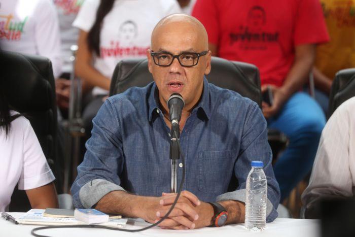 Chavismo arrasa en comicios municipales de gran abstención