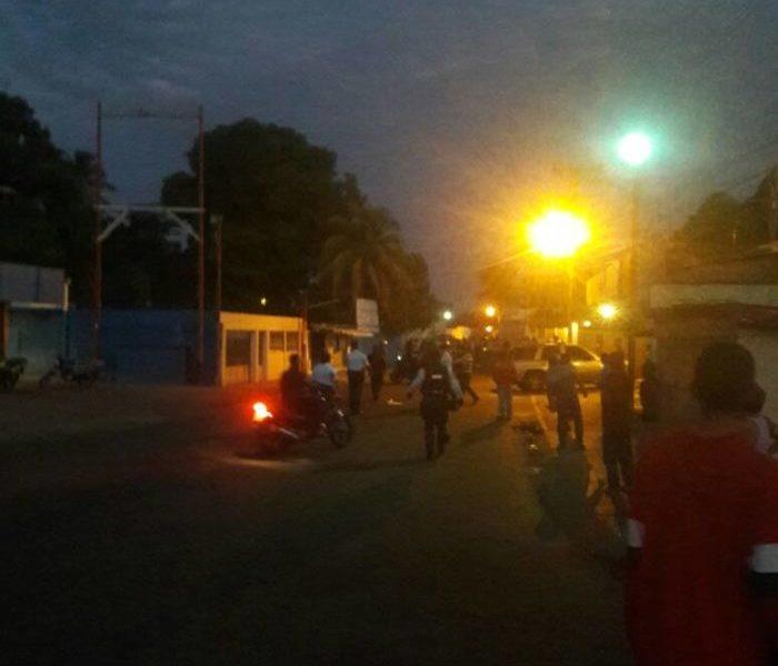 Entre saqueos y disturbios en época decembrina — Ciudad Bolívar