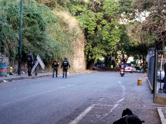 GNB dispersa con gas lacrimógeno y perdigones manifestación en Bello Monte