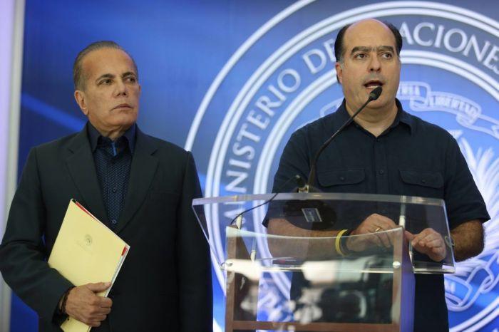 Negociaciones entre gobierno venezolano y oposición entran en