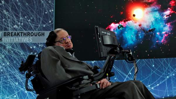 Stephen Hawking completó antes de morir un método para detectar universos paralelos