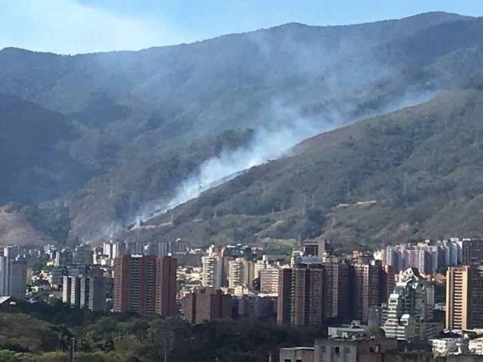 Mantenemos monitoreo en el Ávila por incendios — Reverol