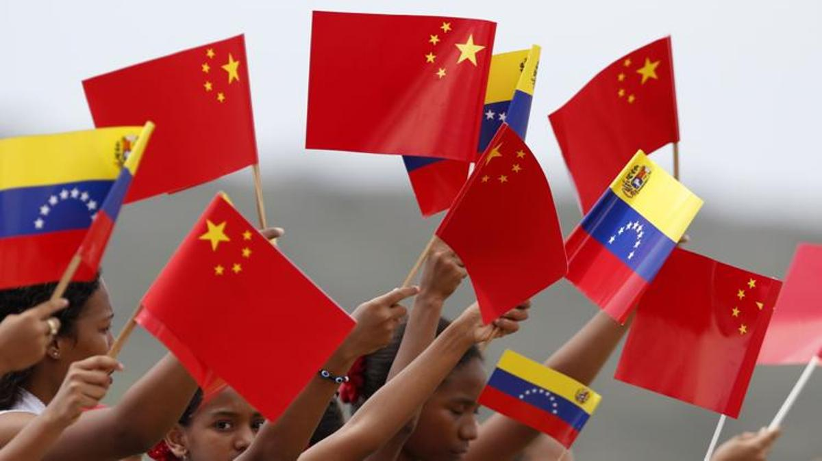China defiende a Maduro