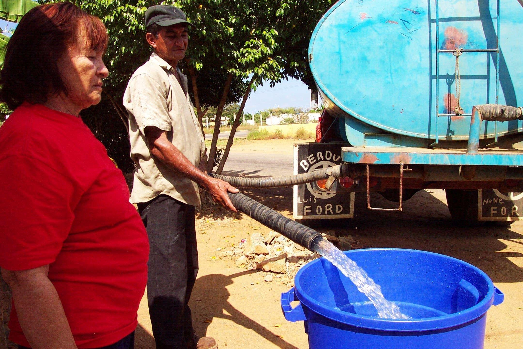 Cuatro de cada diez zulianos no recibe servicio de agua directo en ...