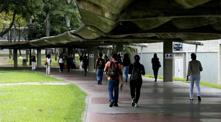 Estudiantes universitarios-UCV-Dia del Estudiante