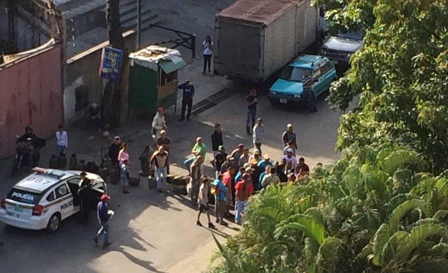 El Llanito-Protesta-Gas