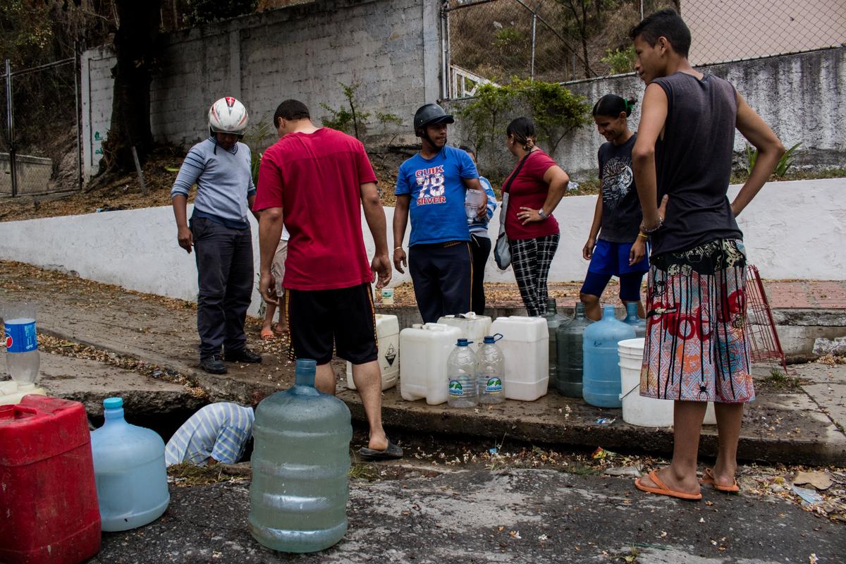 Caracas sin agua y con electricidad a medias