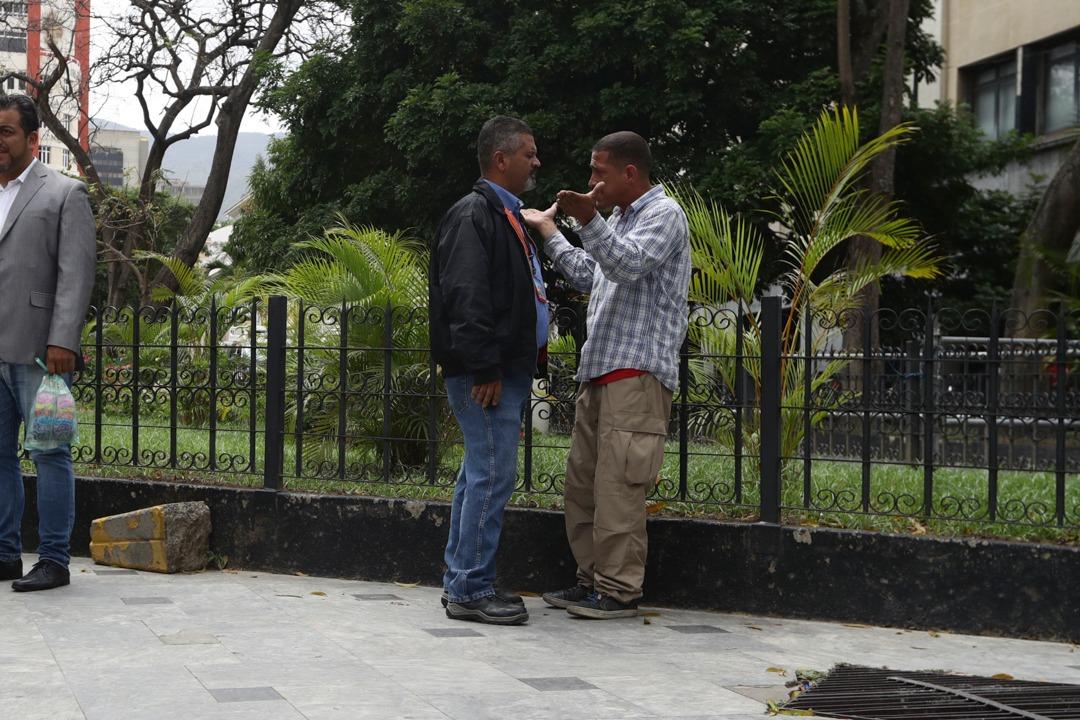 camarógrafo-agresión-chavista-Asamblea nacional