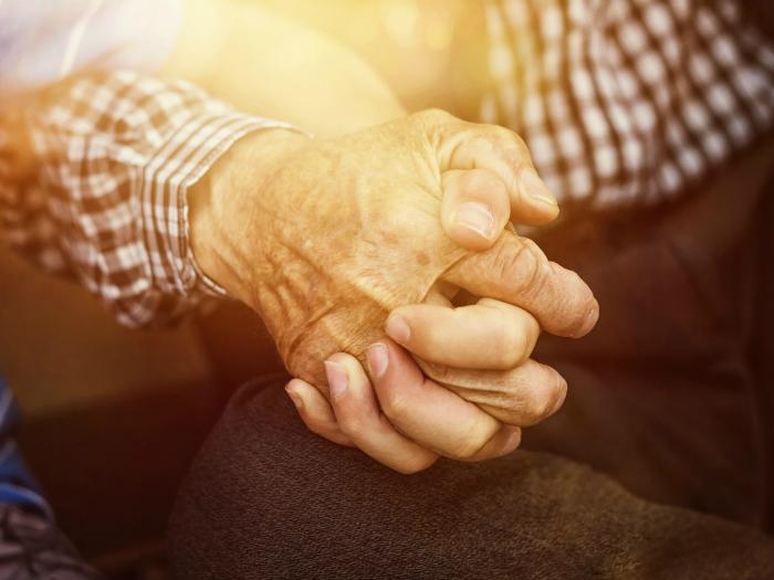 Papá - anciano - estado de bienestar